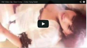 Video Clip hot dewi cinta